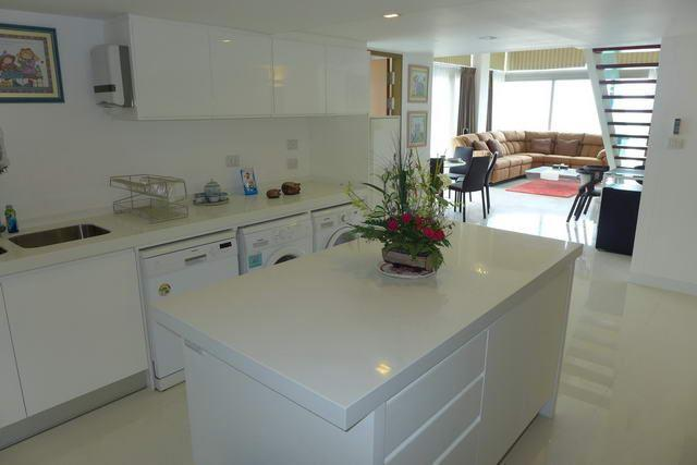 Condominium for sale Naklua showing the island-style kitchen