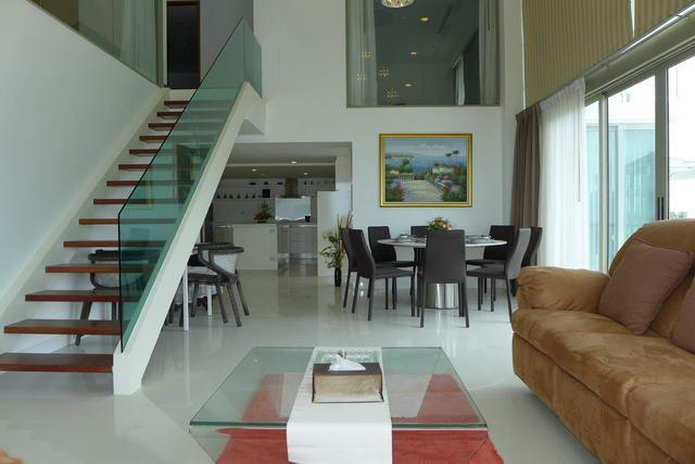 Condominium for sale Naklua showing the feature staircase