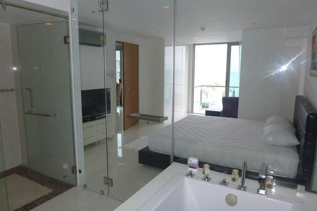 Condominium for sale Naklua showing the master bedroom