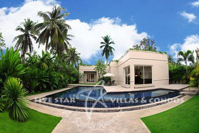 House for sale Pattaya The Vineyard Phase 1 showing the house and pool