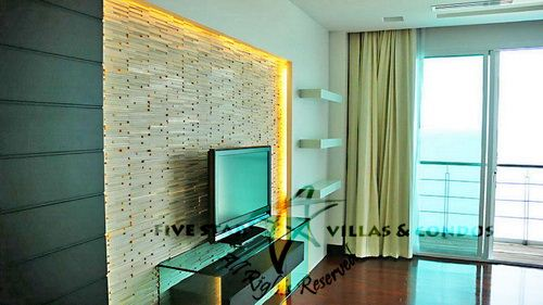 Condominium for rent at Naklua in Ananya showing the TV area