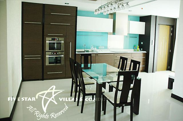 Condominium for rent in Naklua at Ananya showing the dining area