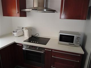 House for sale in Pattaya at SIAM ROYAL VIEW showing the fully equipped kitchen