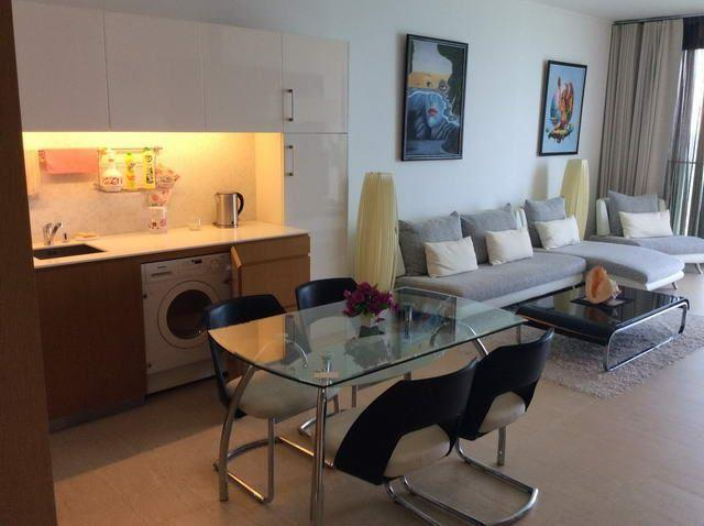 Condominium For Sale Northpoint Pattaya showing the dining and kitchen areas