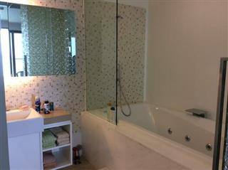 Condominium For Sale Northpoint Pattaya showing the bathroom