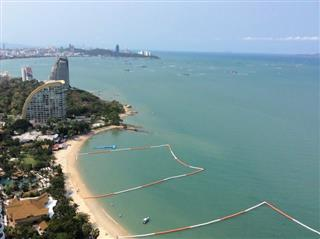Condominium For Sale Northpoint Pattaya showing the balcony view