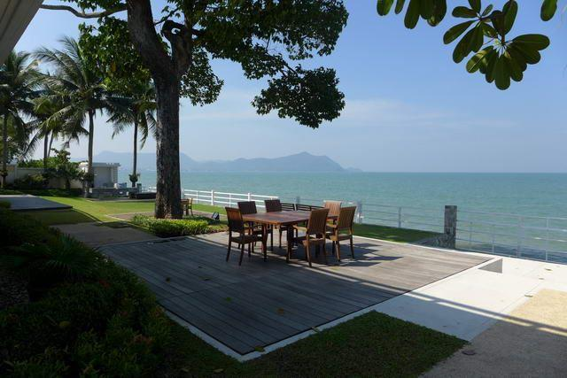 Land for sale Na Jomtien Pattaya showing the stunning view of the sea