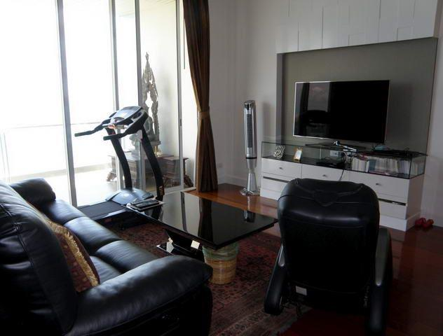 Condominium for sale Pattaya The Cove showing the entertainment room