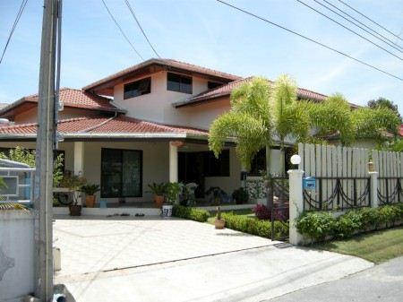 House for Sale Baan Amphur beach Pattaya showing the house