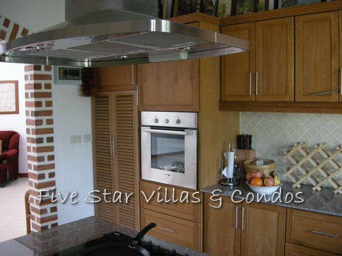 House for Sale Baan Amphur beach Pattaya showing the kitchen area