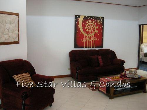 House for Sale Baan Amphur beach Pattaya showing the living room