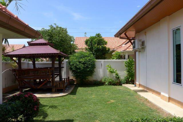 House for sale East Pattaya showing the Tropical Gardens with Sala