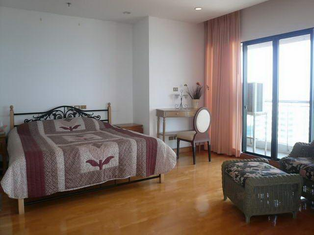 Condominium for sale on Pratumnak showing bedroom with view