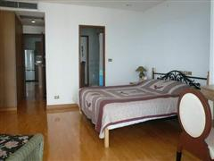 Condominium for sale on Pratumnak showing bedroom