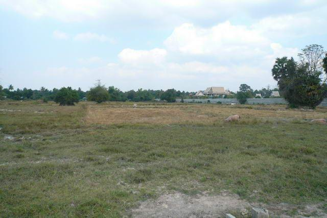 Land for sale in Na Jomtien ideal for housing project