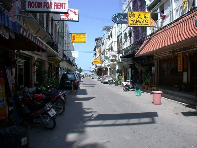 Guest House for sale in Pattaya in busy location