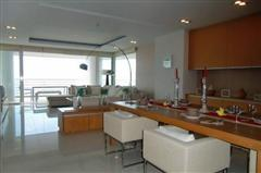 Condominium for sale in Na Jomtien showing dining area