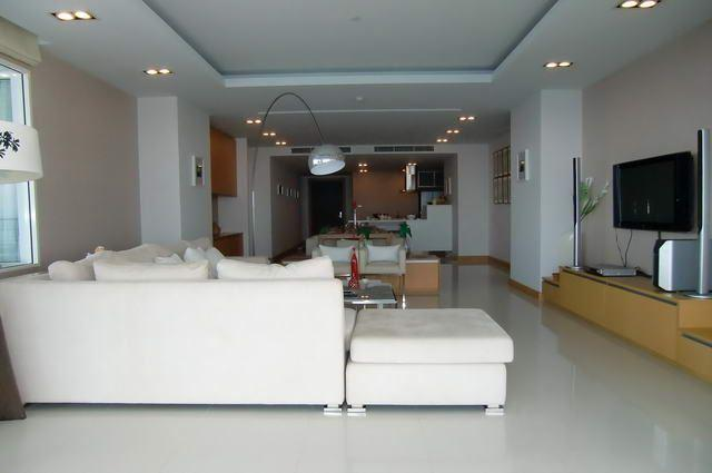 Condominium for sale in Na Jomtien showing open plan living