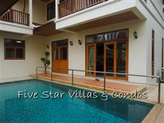 House for sale Pratumnak Pattaya showing the pool and terrace