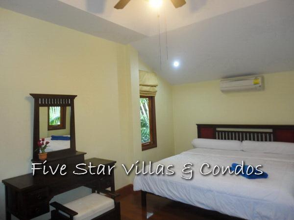 House for sale Pratumnak Pattaya showing the master bedroom