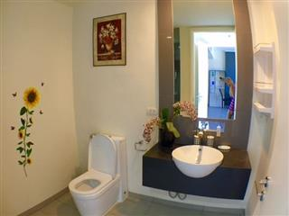 Condominium for sale at Zire Pattaya showing the bathroom