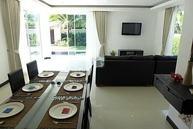 House for sale Pattaya The Vineyard Phase 1 showing the dining and living areas