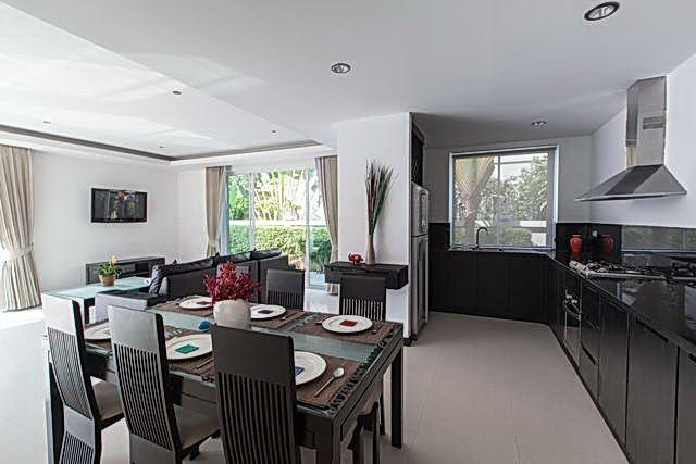 House for sale Pattaya The Vineyard Phase 1 showing the dining and kitchen areas