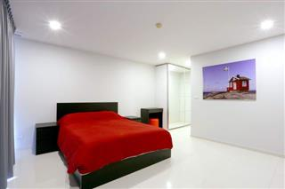 Condominium For Sale Pattaya showing the bedroom