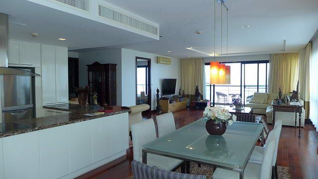 Condominium for sale in Na Jomtien showing the dining and kitchen areas