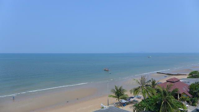 Condominium for sale in Na Jomtien showing the sea view