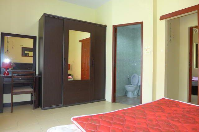 Pool resort and villa business for sale Pratumnak Pattaya