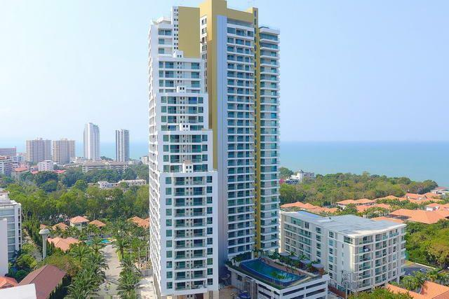 Condominium for sale Pratumnak Hill Pattaya showing the city view