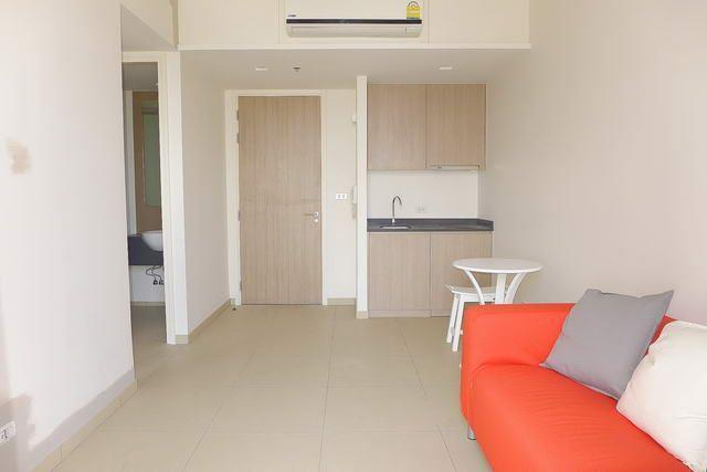 Condominium for sale Pattaya showing open plan concept