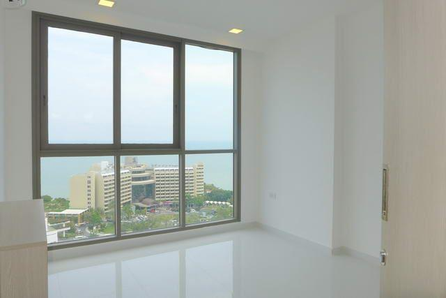 Condominium for sale Pratumnak Hill Pattaya showing a bedroom views