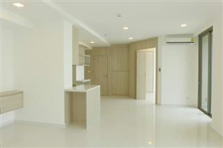 Condominium for sale Pratumnak Hill Pattaya showing the dining area