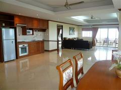 Condominium for sale in Na Jomtien showing the kitchen area