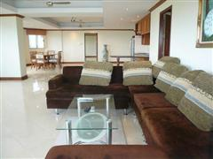 Condominium for sale in Na Jomtien showing the sitting area