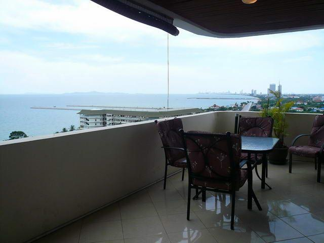 Condominium for sale in Na Jomtien showing the large balcony