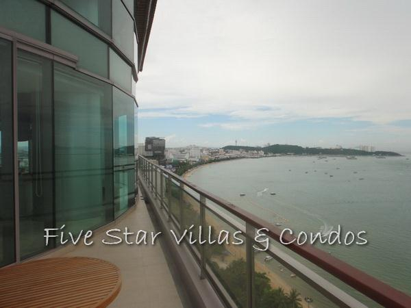 Condominium for sale on Pattaya Beach at Northshore showing Pattaya Bay from the balcony