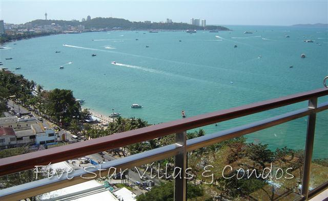 Condominium for sale in Pattaya at Northshore showing the balcony view of Pattaya Bay
