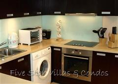 Condominium for sale in Pattaya at Northshore showing the fully equipped kitchen