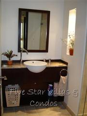 Condominium for sale in Pattaya at Northshore showing the bathroom