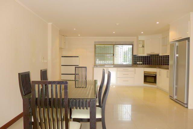 Condominium for sale Pratumnak Hill Pattaya showing the dining and kitchen
