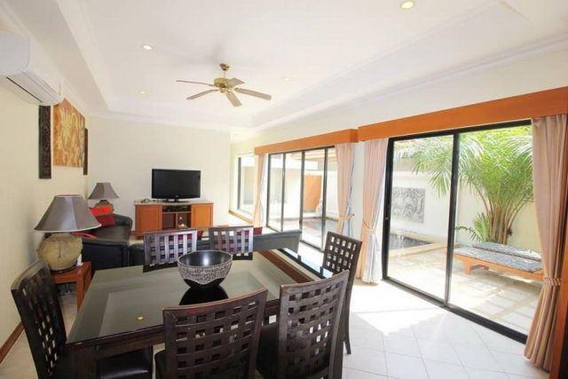 House for sale Jomtien showing the living and dining areas