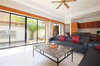 House for sale Jomtien showing the living area
