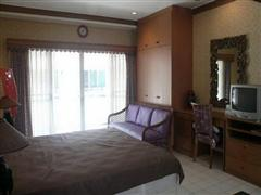 Condominium for sale in Jomtien showing the sitting area