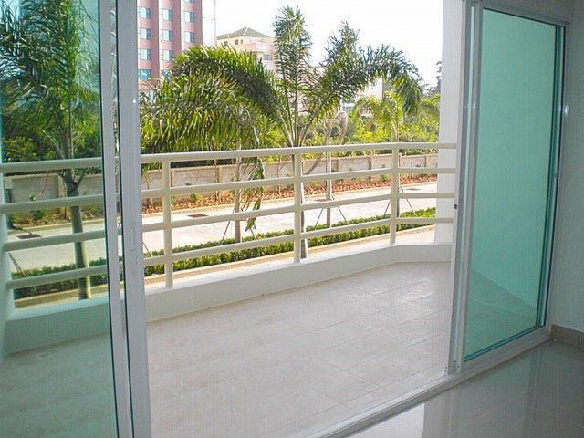 Commercial unit for sale Jomtien Beach showing the large balcony