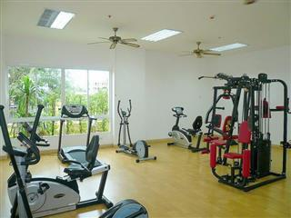 Condominium for sale Pattaya showing the communal gymnasium