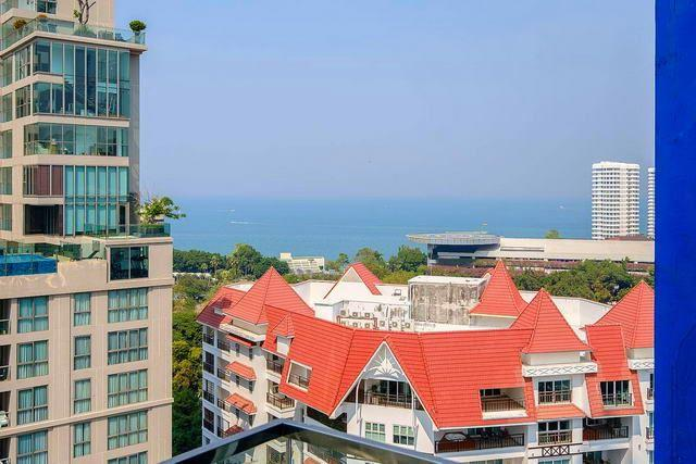 Condominium for sale Pratumnak Hill showing the balcony view