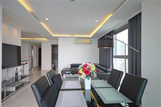 Condominium for sale Wong Amat showing the dining area